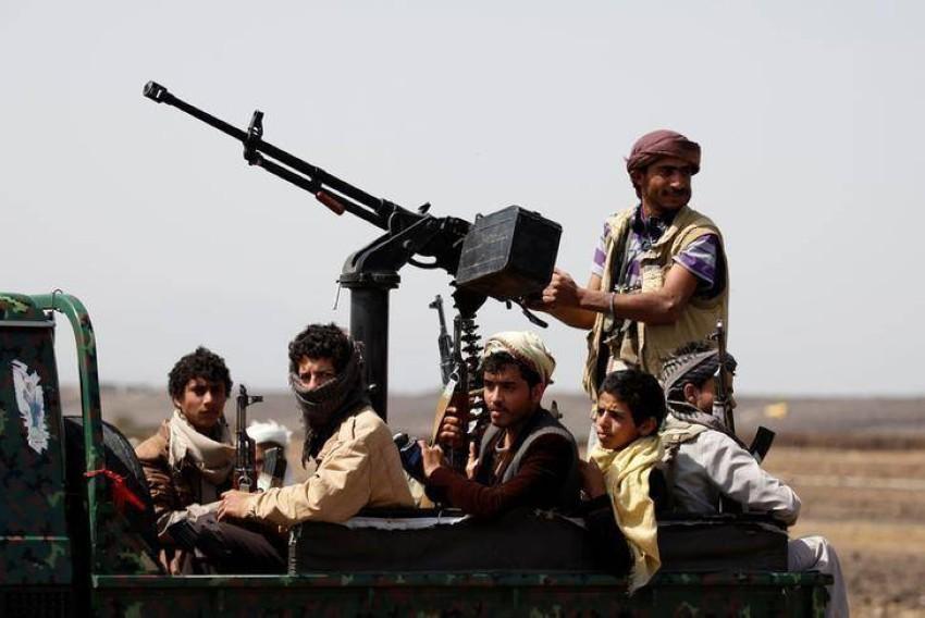 عناصر تابعة لميليشيات الحوثيين. (رويترز)