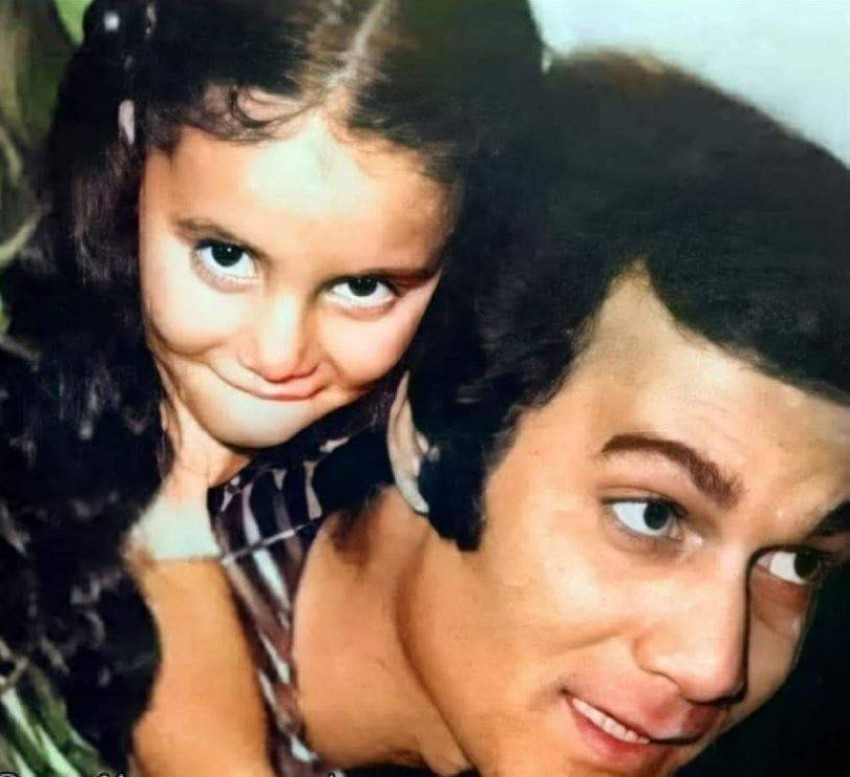 رانيا في الطفولة مع ووالدها