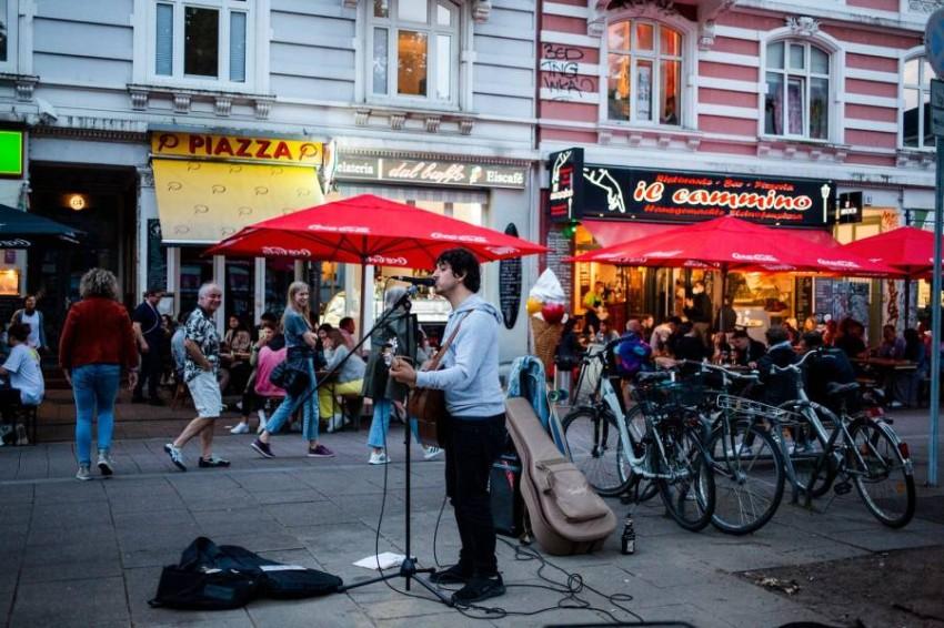 الموسيقى تعود للشوارع في هامبورغ. (المصدر)