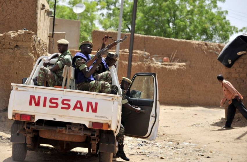 دورية عسكرية تابعة للجيش في شمال بوركينا فاسو. (أ ف ب)