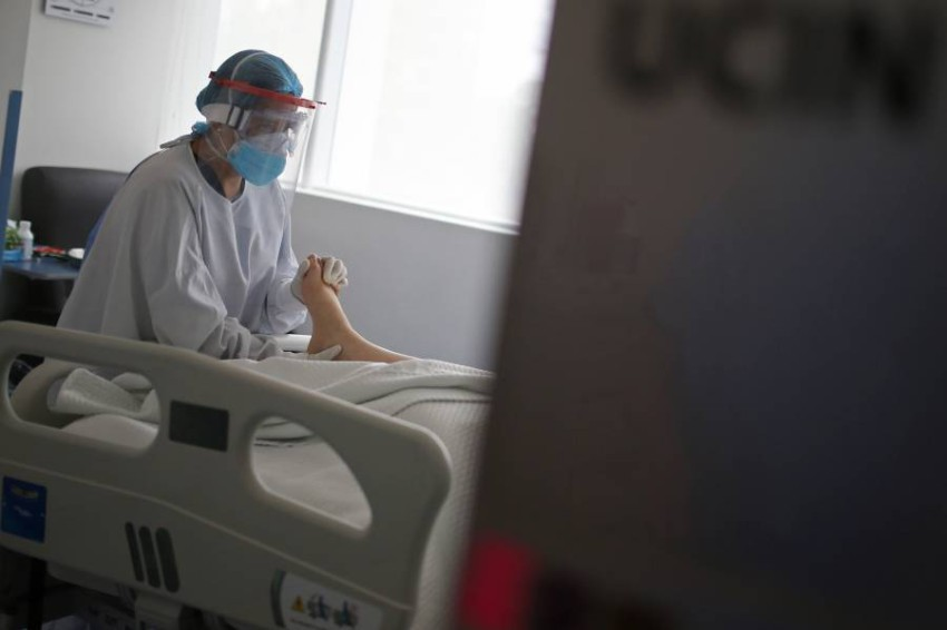 العنف ضد العاملين في مجال الرعاية الصحية ليس بالأمر الجديد - رويترز.