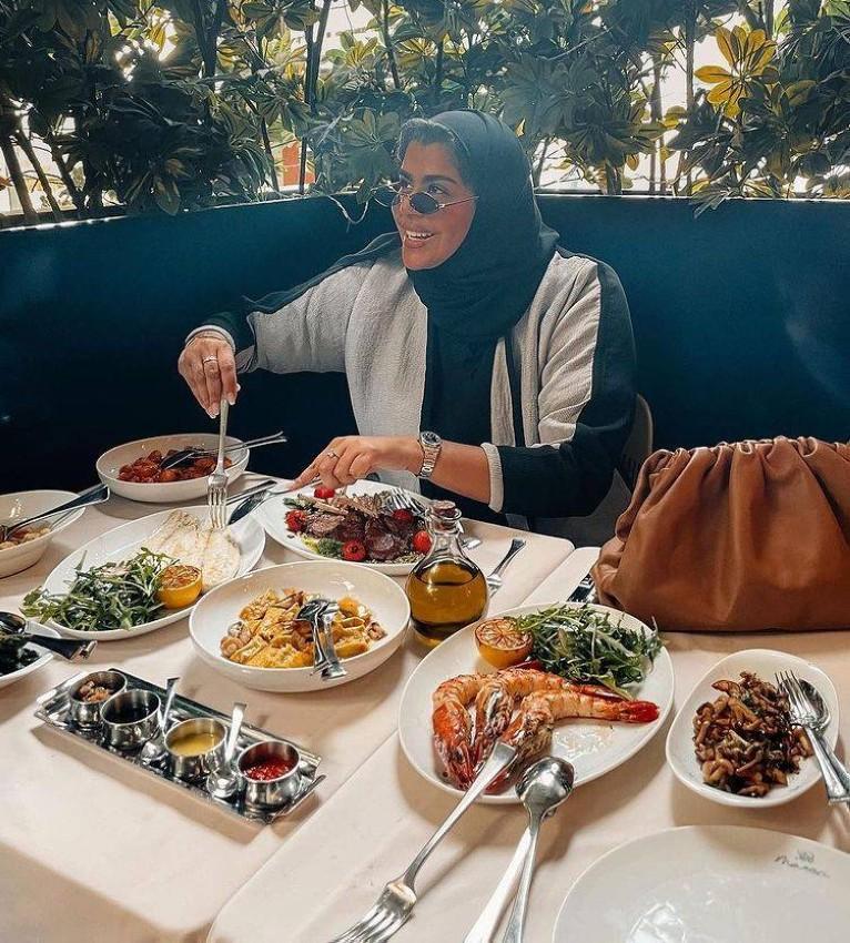 الأكلات البحرية في مطعم ماريا دبي