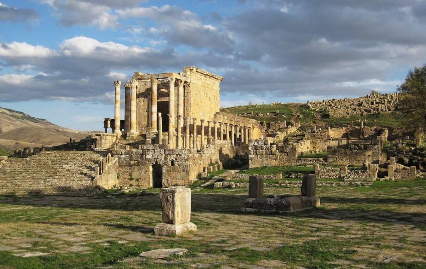 آثارمستعمرة رومانية قديمة