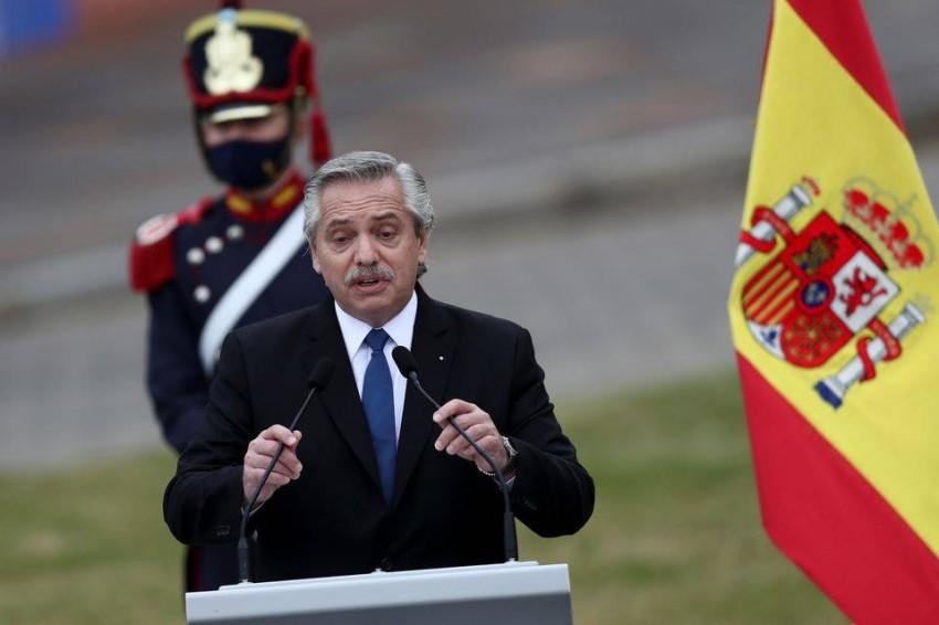ألبرتو فرنانديز. (رويترز)