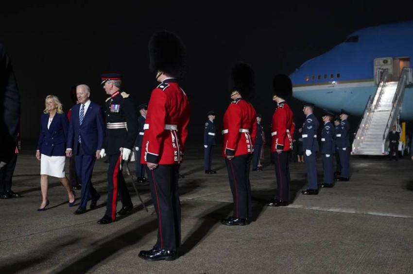 وصل الرئيس الأمريكي بايدن إلى بريطانيا مساء الأربعاء للمشاركة في القمة.