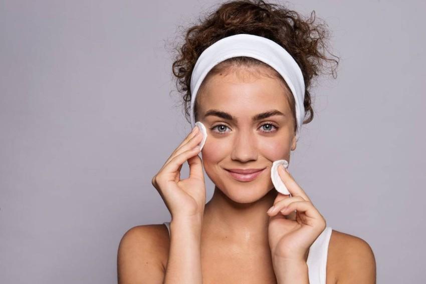 يساعد المنتجات الأخرى على امتصاص بشرتك