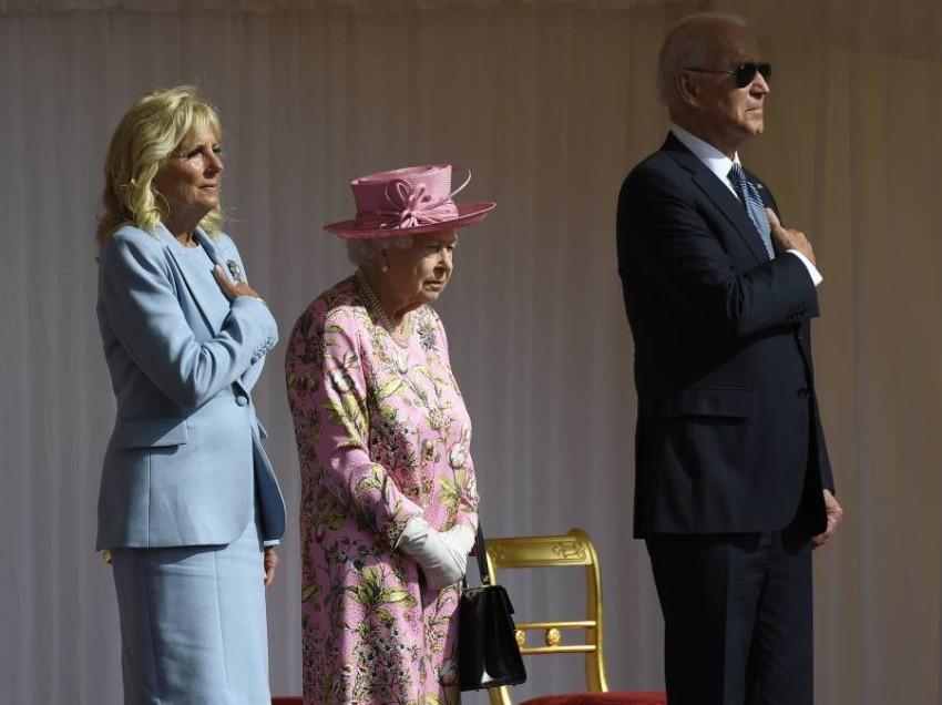 الملكة اليزابيث تستقبل بايدن في قصر ويندسور - أب.