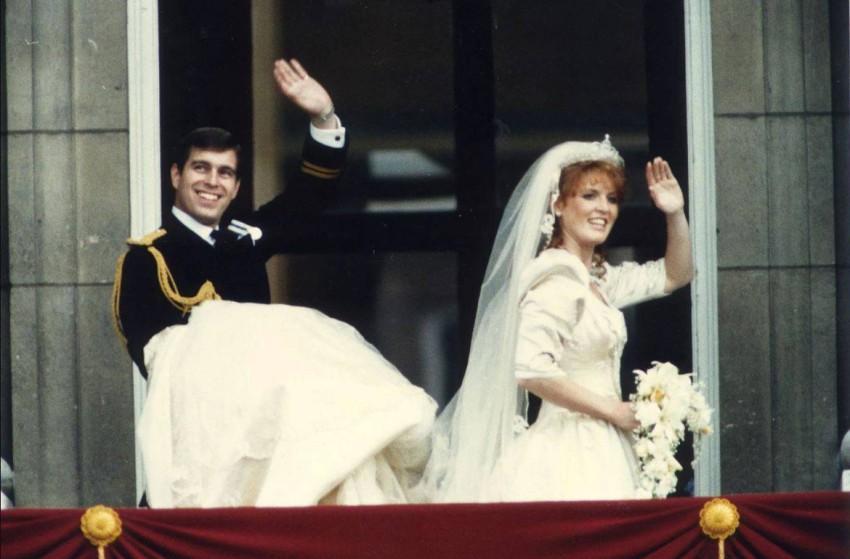 فستان سارة فيرغسون في حفل الزفاف