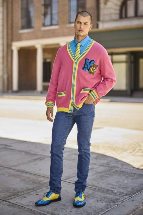 التصاميم الملونة بمجموعة موسكينو الرجالية