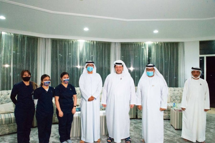 سعيد بن طحنون يشارك في برنامج الجينوم الإماراتي. (وام)