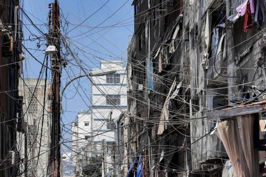 لبنان يشهد أزمة اقتصادية ومالية حادة أدت إلى ارتفاع سعر صرف الدولار وتراجع القدرة الشرائية للمواطنين - أ ف ب.