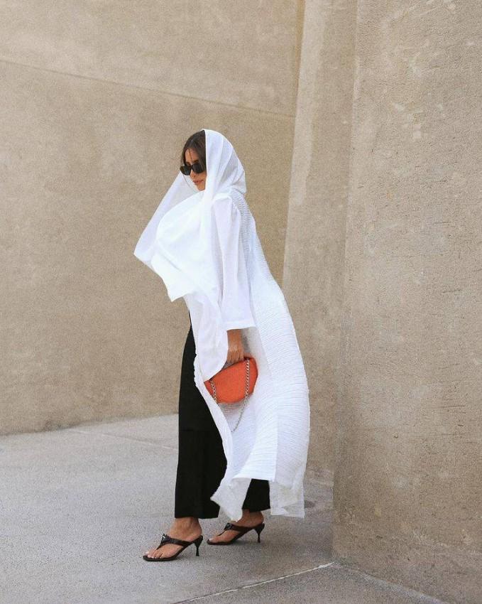 العباية البيضاء من فاطمة حسام