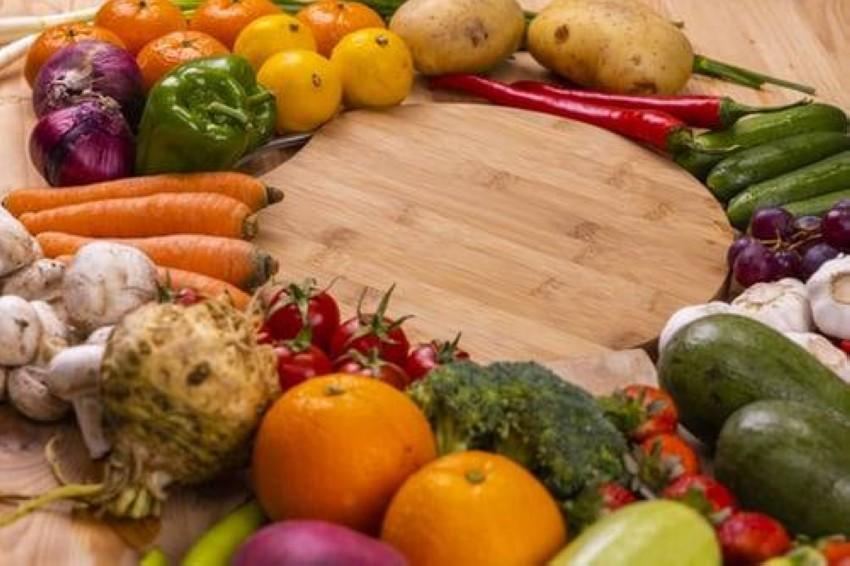 يُعتقد أن الشخص النباتي هو الأكثر صحة وعافية بسبب تجنبه تناول اللحوم أو المنتجات الحيوانية