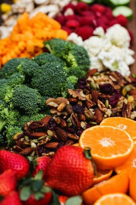 لا يحتوي النظام النباتي على كل الأحماض الأمينية التي يحتاجها الجسم خصوصاً لدى الحوامل والمرضعات والأطفال في طور النمو
