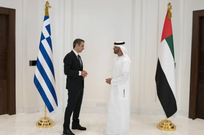 محمد بن زايد آل نهيان أكد حرصه على تطوير العلاقات الخاصة مع اليونان. (وام)
