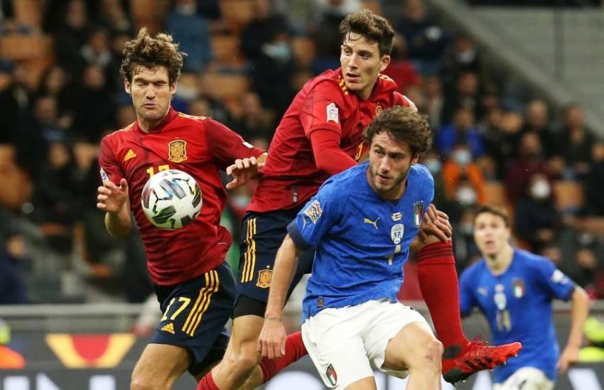 من مباراة إسبانيا وإيطاليا. (إ ب أ)