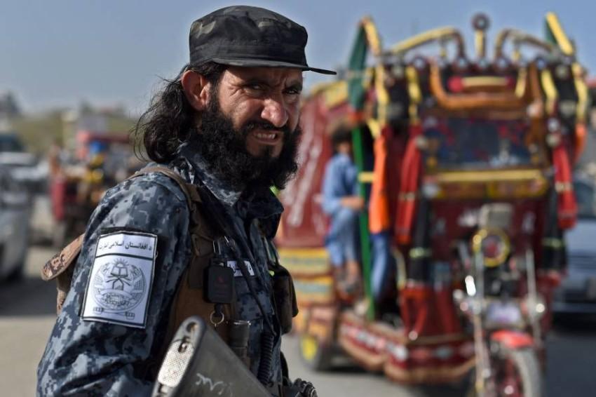 أحد مقاتلي طالبان في كابول. (أ ف ب)