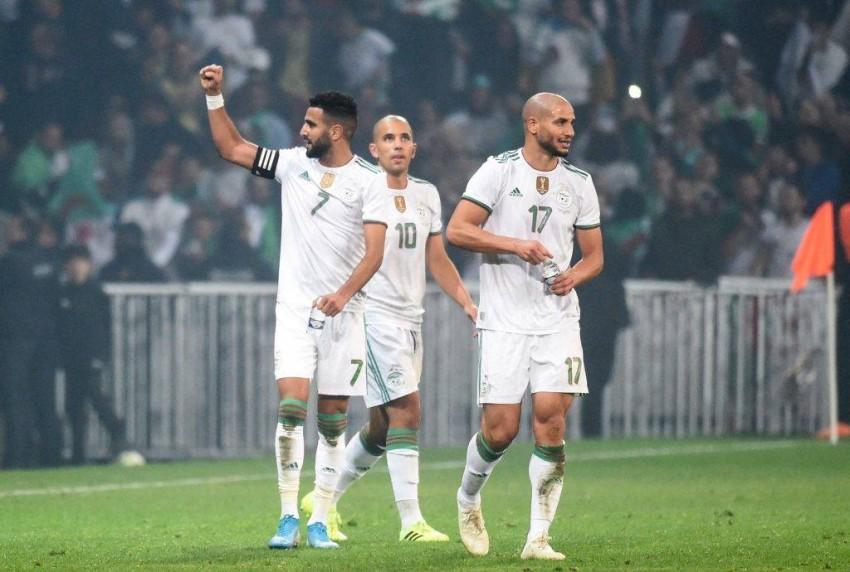 فرحة المنتخب الجزائري بالفوز على النيجر. (أفريكان توب سبورت)