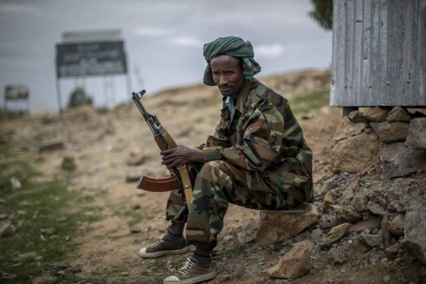 أحد مقاتلي قوات تيغراي. (أ ب)