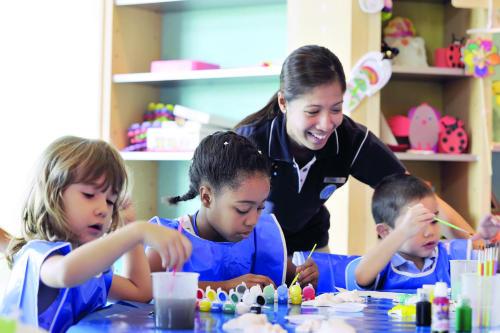 أتلانتس النخلة يطلق مخيمات صيفية للأطفال